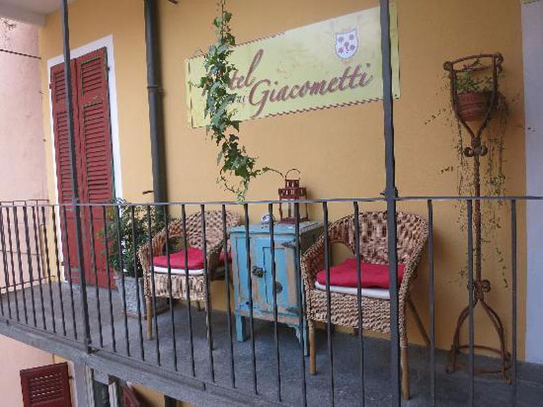 Image 2 - Hôtel Garni Giacometti - B&B