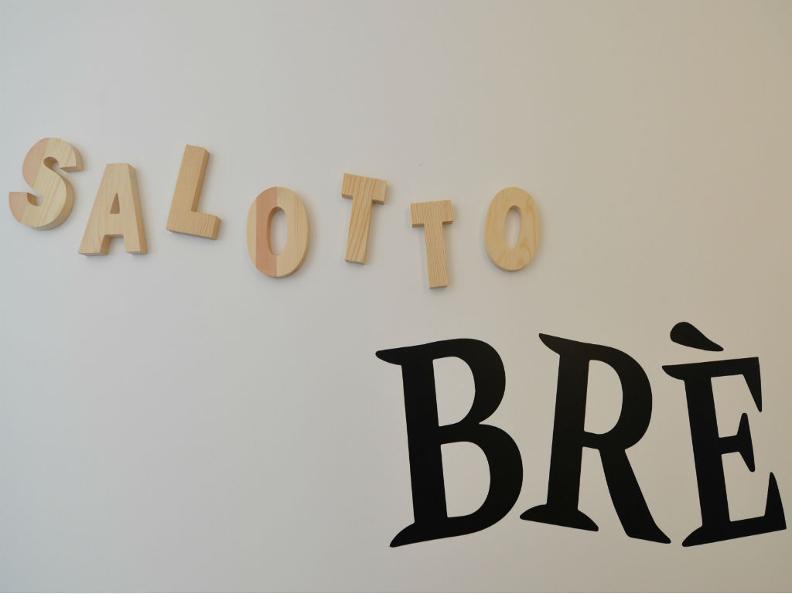 Image 5 - Salotto Brè