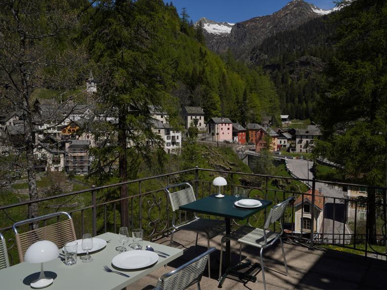 Image 0 - Villa Pineta