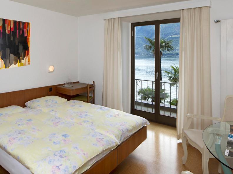 Image 1 - Hotel Garni Rivabella au Lac