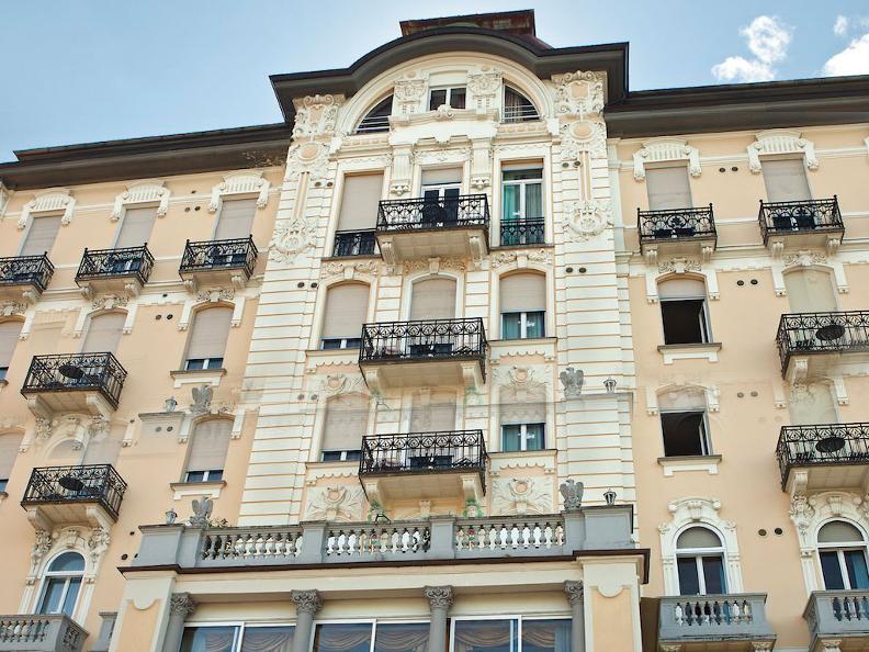 Image 0 - Hotel Victoria