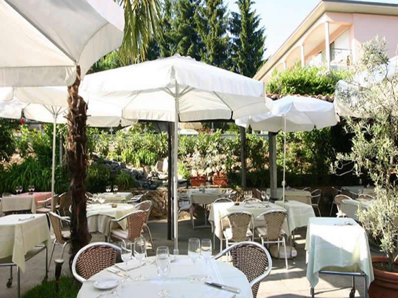 Image 0 - Hotel & SPA Cacciatori