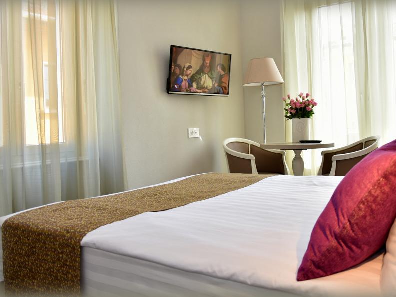 Image 2 - Hotel Alexandra