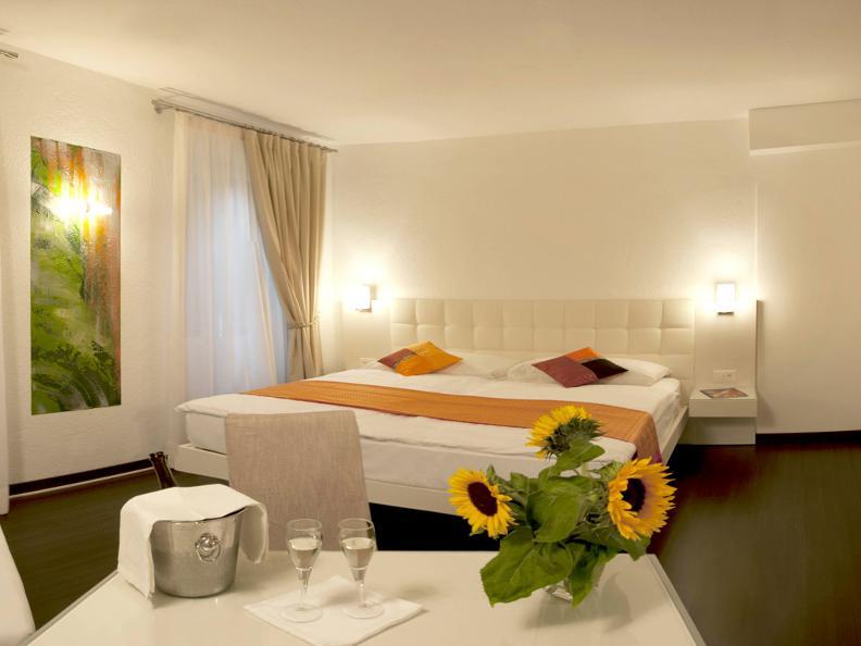 Image 7 - Hotel America