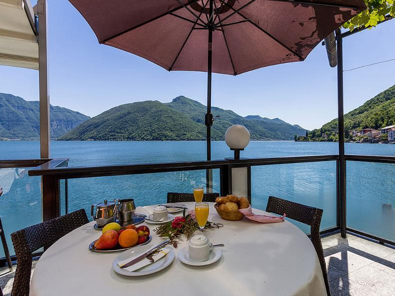 Image 1 - Hotel Riviera