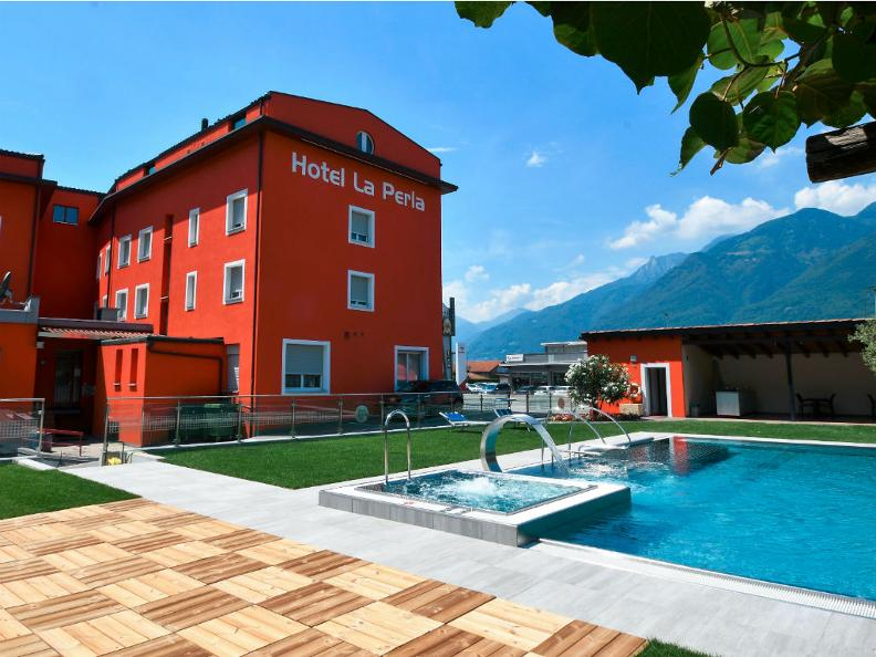 Image 0 - Hotel La Perla
