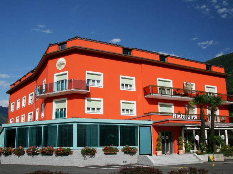 Image 2 - Hotel La Perla