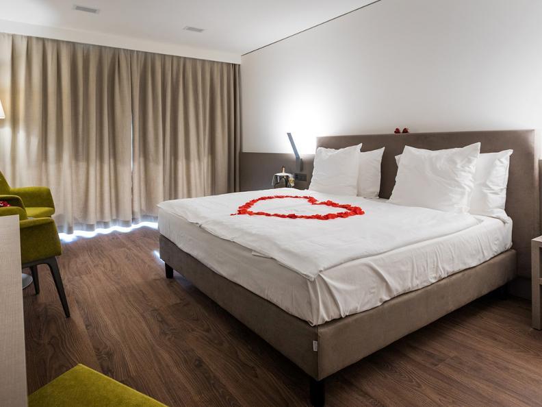 Image 9 - Hotel & Lounge Lago Maggiore