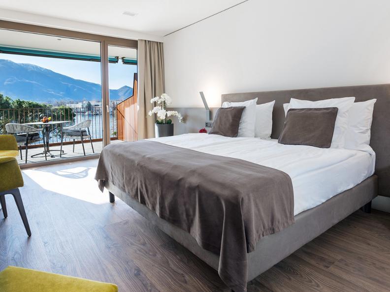 Image 3 - Hotel & Lounge Lago Maggiore