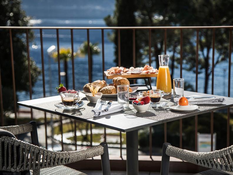 Image 6 - Hotel & Lounge Lago Maggiore
