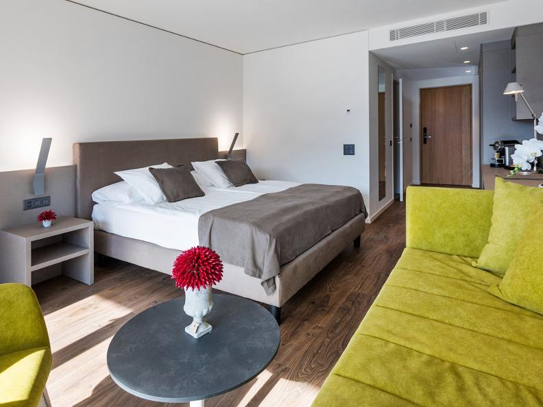 Image 7 - Hotel & Lounge Lago Maggiore