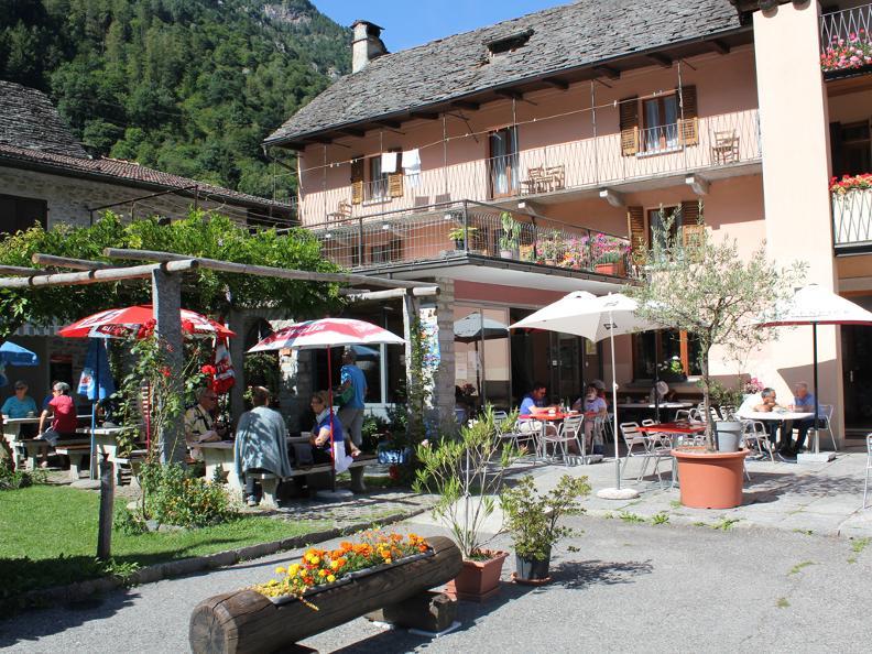 Image 1 - Alpino