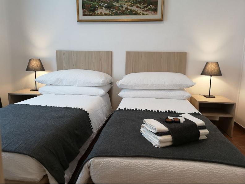 Image 0 - Hotel Elvezia