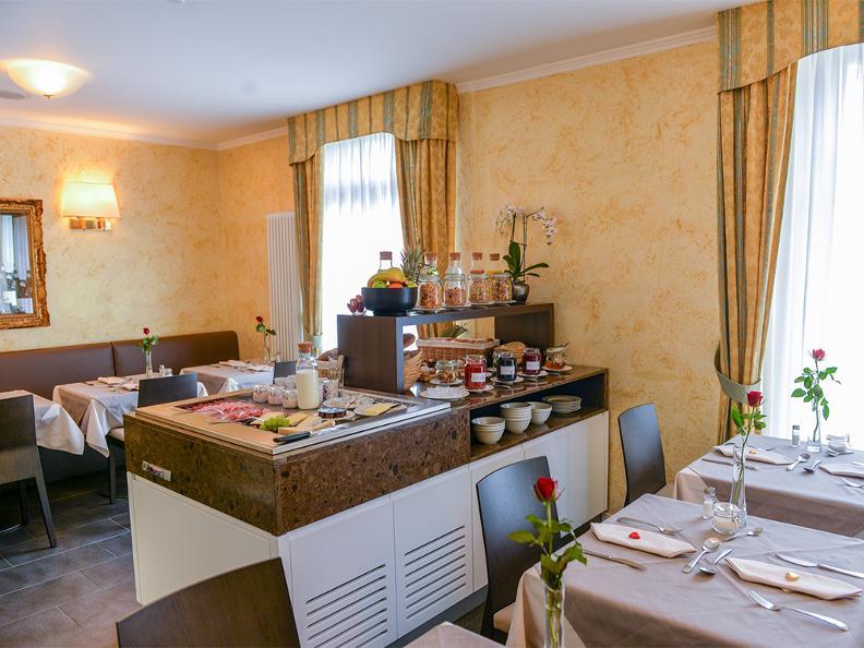 Image 10 - Hotel Millennium