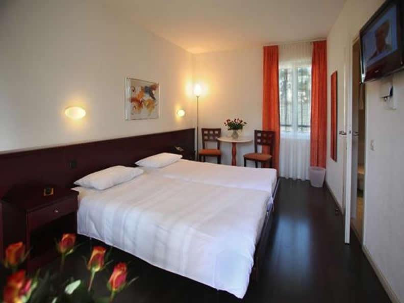 Image 2 - Piazza Ascona - Casa delle Olive
