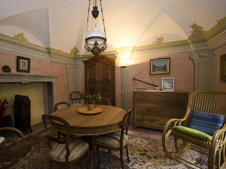 Image 2 - Palazzo Gamboni swiss historic hotel
