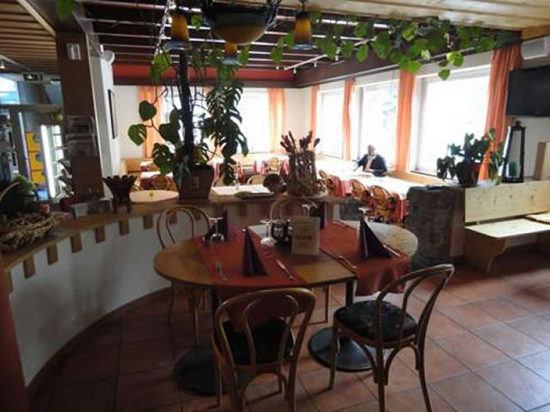 Image 2 - Val Sole - Restaurant with accommodation