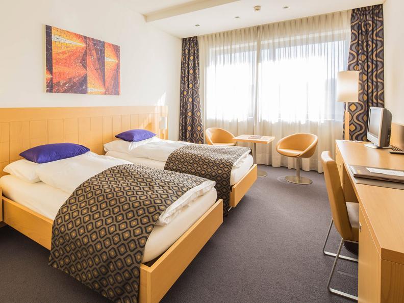 Image 0 - Hotel Coronado
