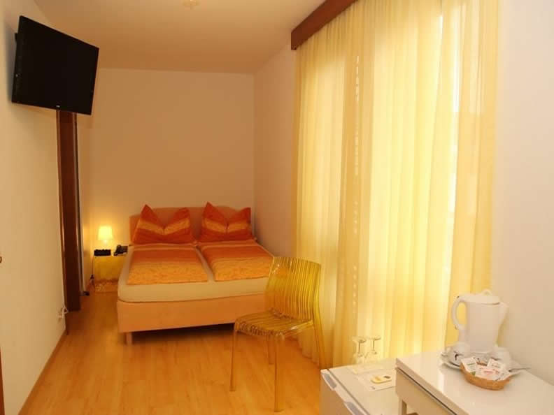 Image 2 - Rovere Hotel