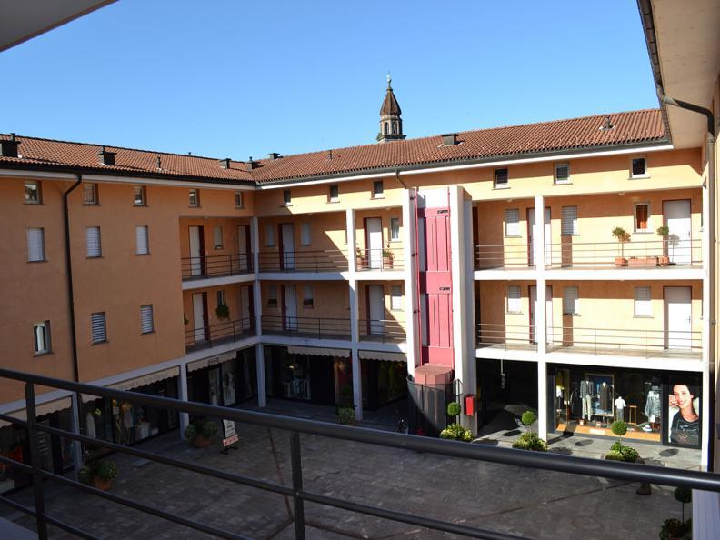 Image 2 - Asconita