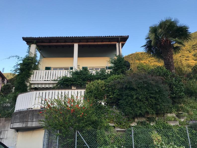 Image 0 - Casa al Castagno