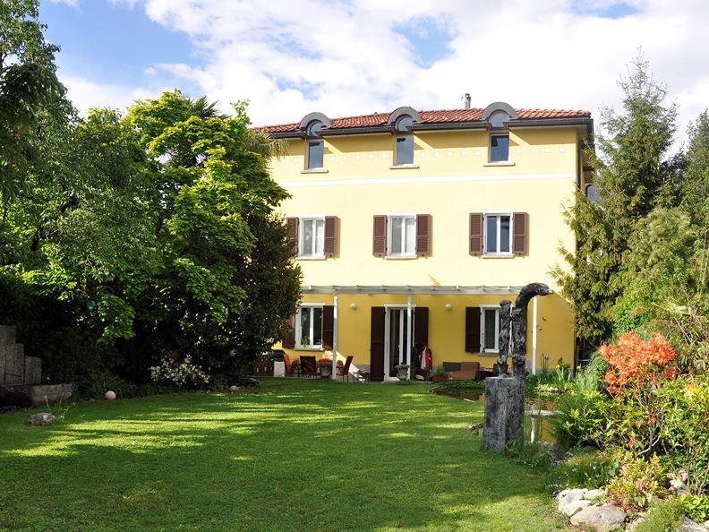 Image 0 - Villa del Gusto