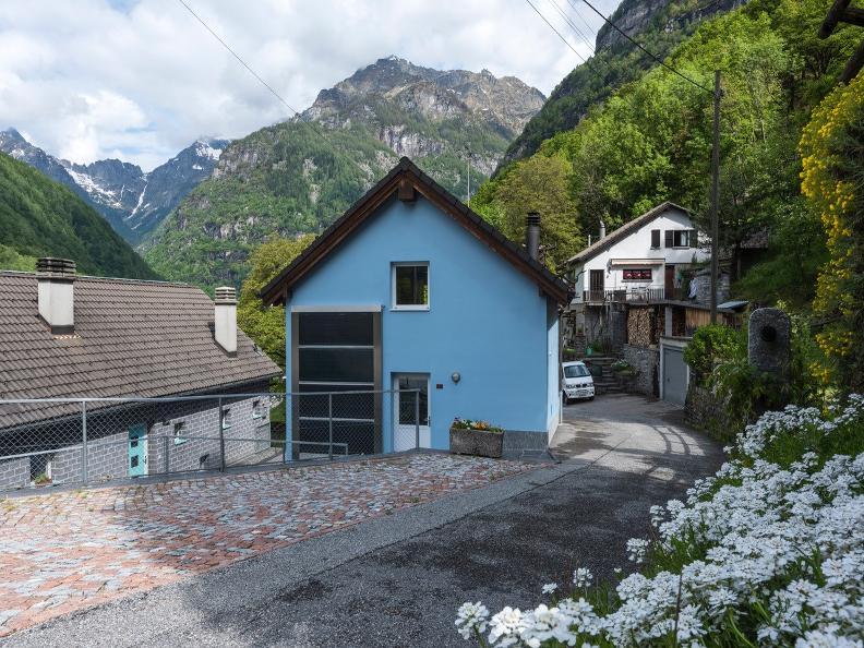 Image 0 - Casa Blu
