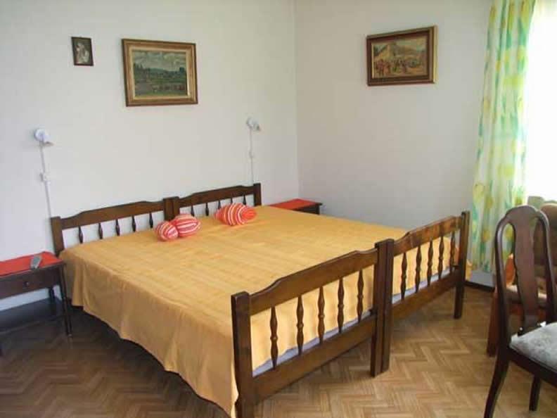 Image 2 - Casa Thuja