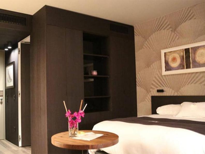 Image 0 - San Carlo Suite