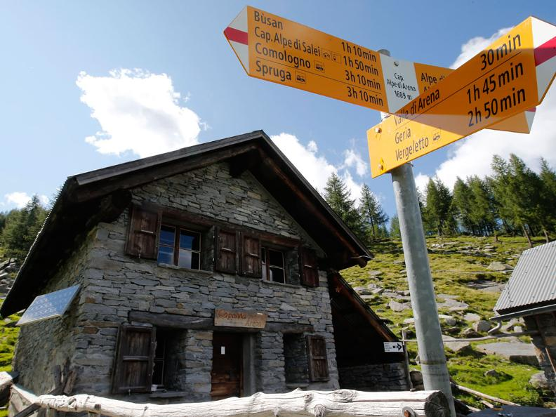 Image 1 - Mountain hut Arena