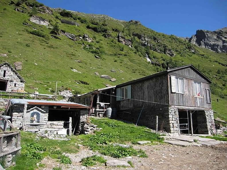 Image 1 - Mountain hut Fümegna