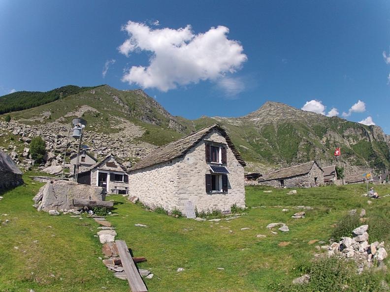 Image 3 - Cabane Bardüghè
