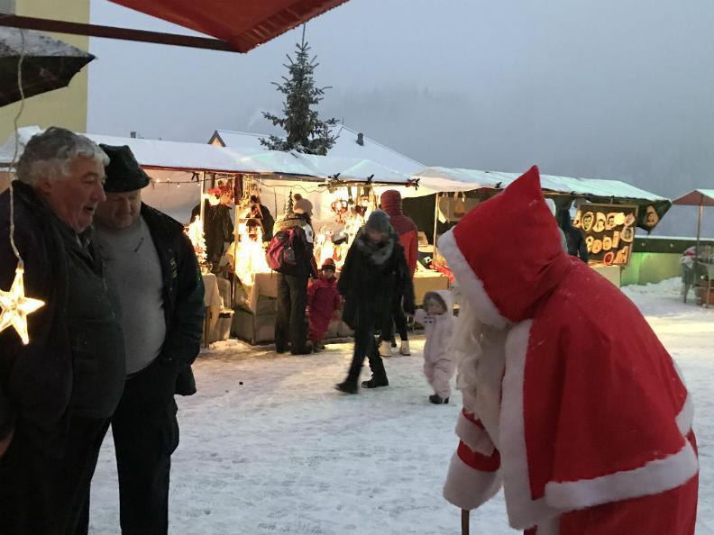 Image 1 - Weihnachtsmarkt von Airolo