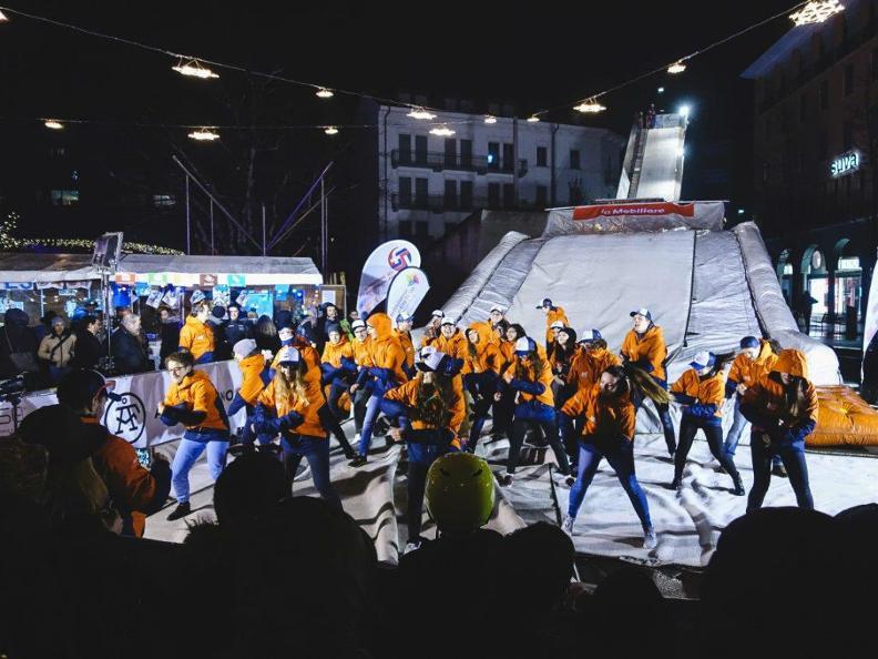 Image 2 - Indoor Ice Rink - Natale a Bellinzona