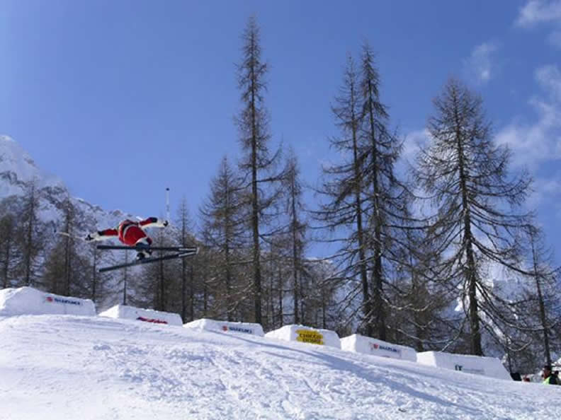 Image 2 - FIS Europa Cup Freestyle - Moguls