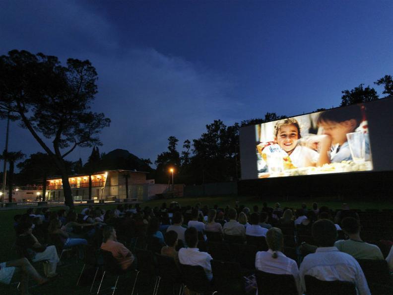 Image 0 - Cinema al Lago