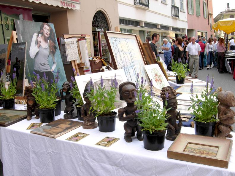 Image 3 - Antique fair