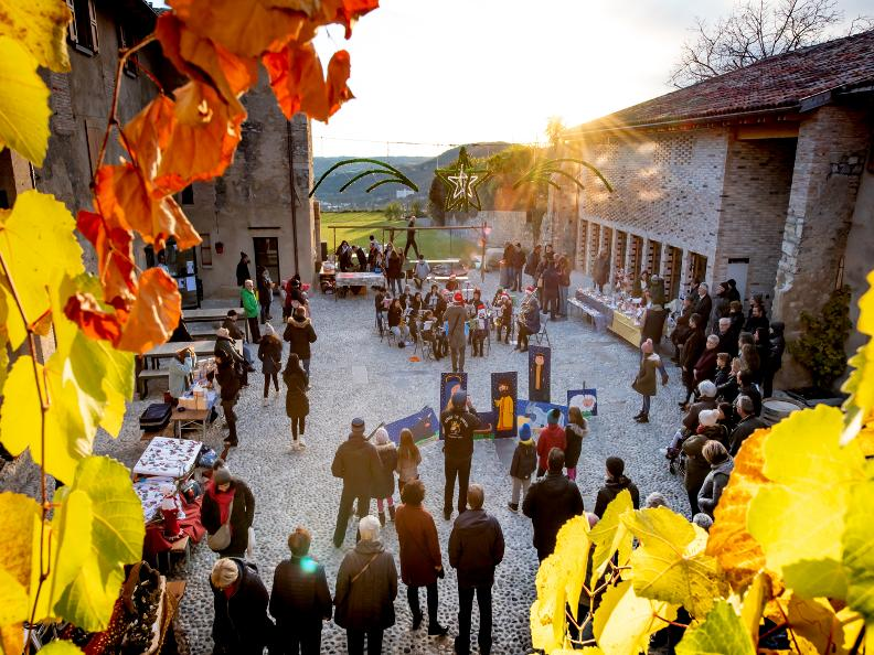 Image 0 - Christmas Market of Castel San Pietro