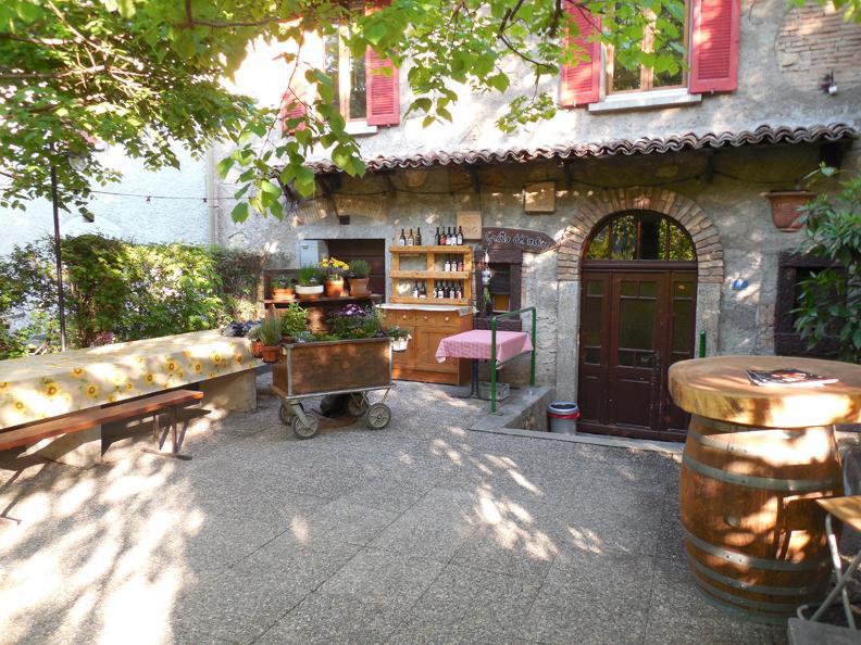 Image 6 - Ném ai gròtt - Locally produced food event