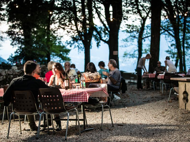Image 7 - Ném ai gròtt - Locally produced food event