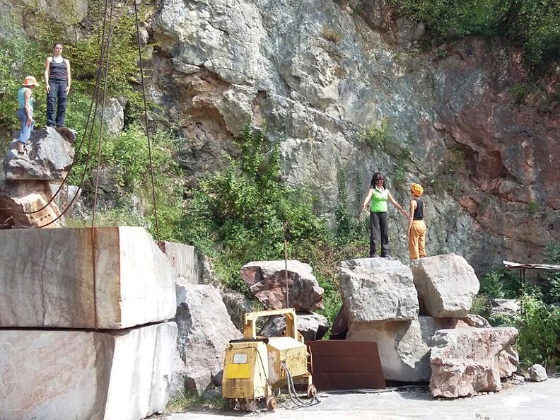 Image 0 - CAVA - Die Wiedergeburt des Steinbruchs von Arzo
