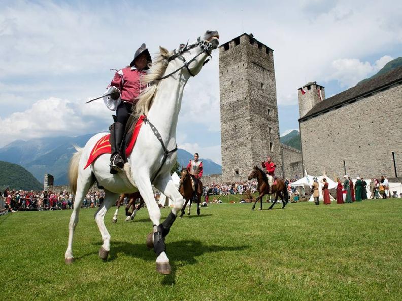 Image 0 - La Spada nella Rocca