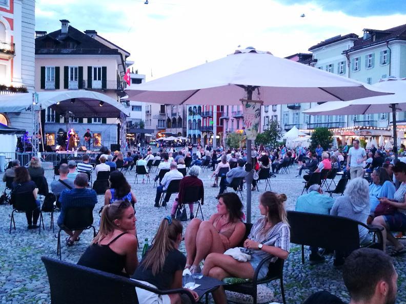 Image 1 - E...STATE a Locarno