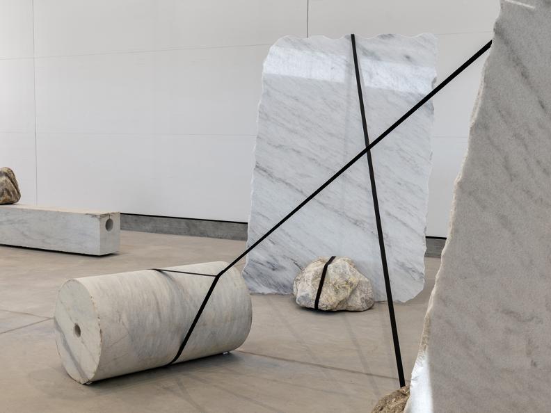 Image 2 - Esposizione Arte Jose Dávila