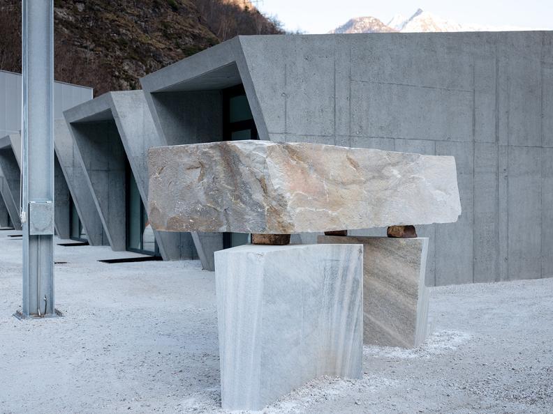 Image 4 - Esposizione Arte Jose Dávila