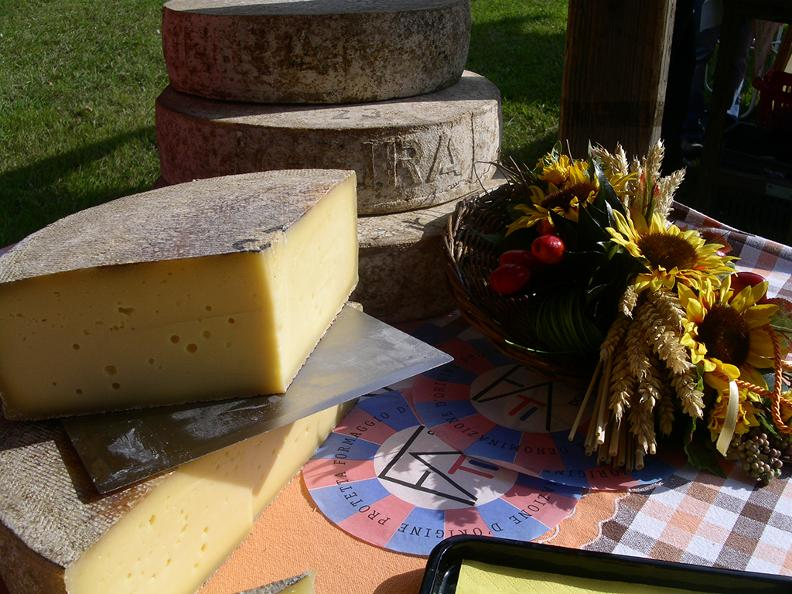 Image 8 - CANCELLED: Agriculture and cheese fair in the Leventina Valley