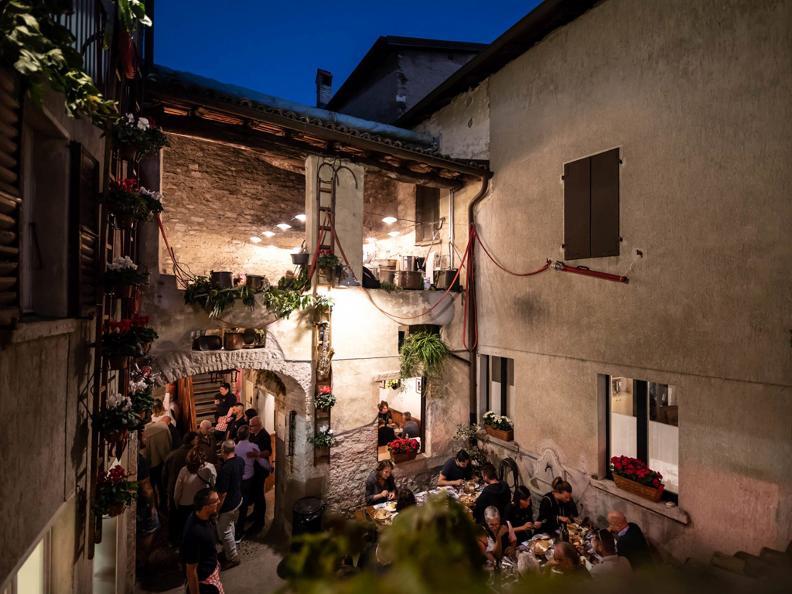 Image 2 - ANNULÉ: Sagra del Borgo – Fête des vendanges