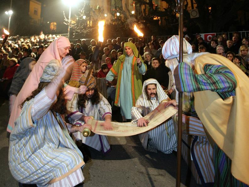 Image 5 - Mendrisio Holy week processions