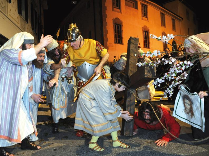 Image 4 - Mendrisio Holy week processions