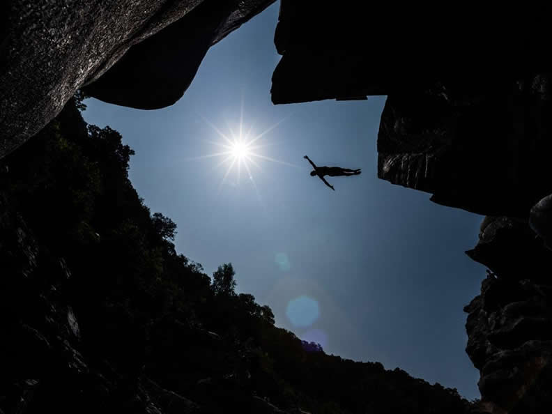 Image 2 - International Cliff Diving Championship